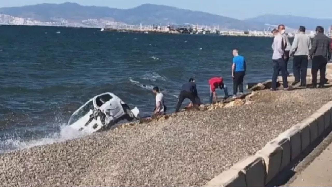 Kaza sonrası takla atan otomobil denize düştü