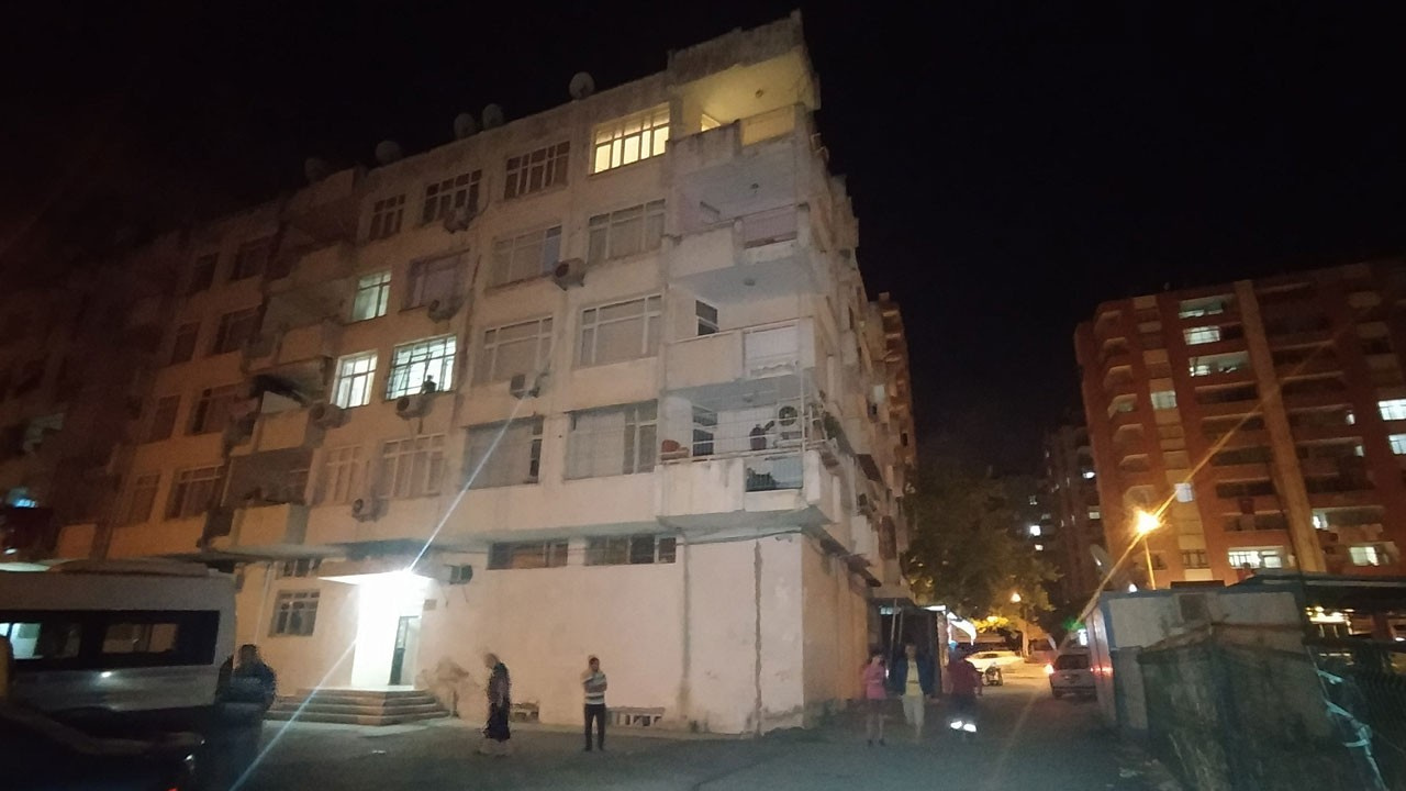 Adana'da 16 yaşındaki kız 4. kattan düştü!