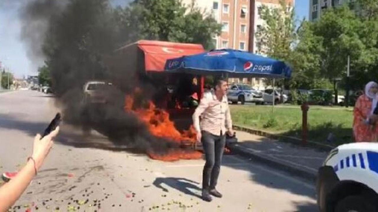 Kamyonetini benzin dökerek ateşe verdi