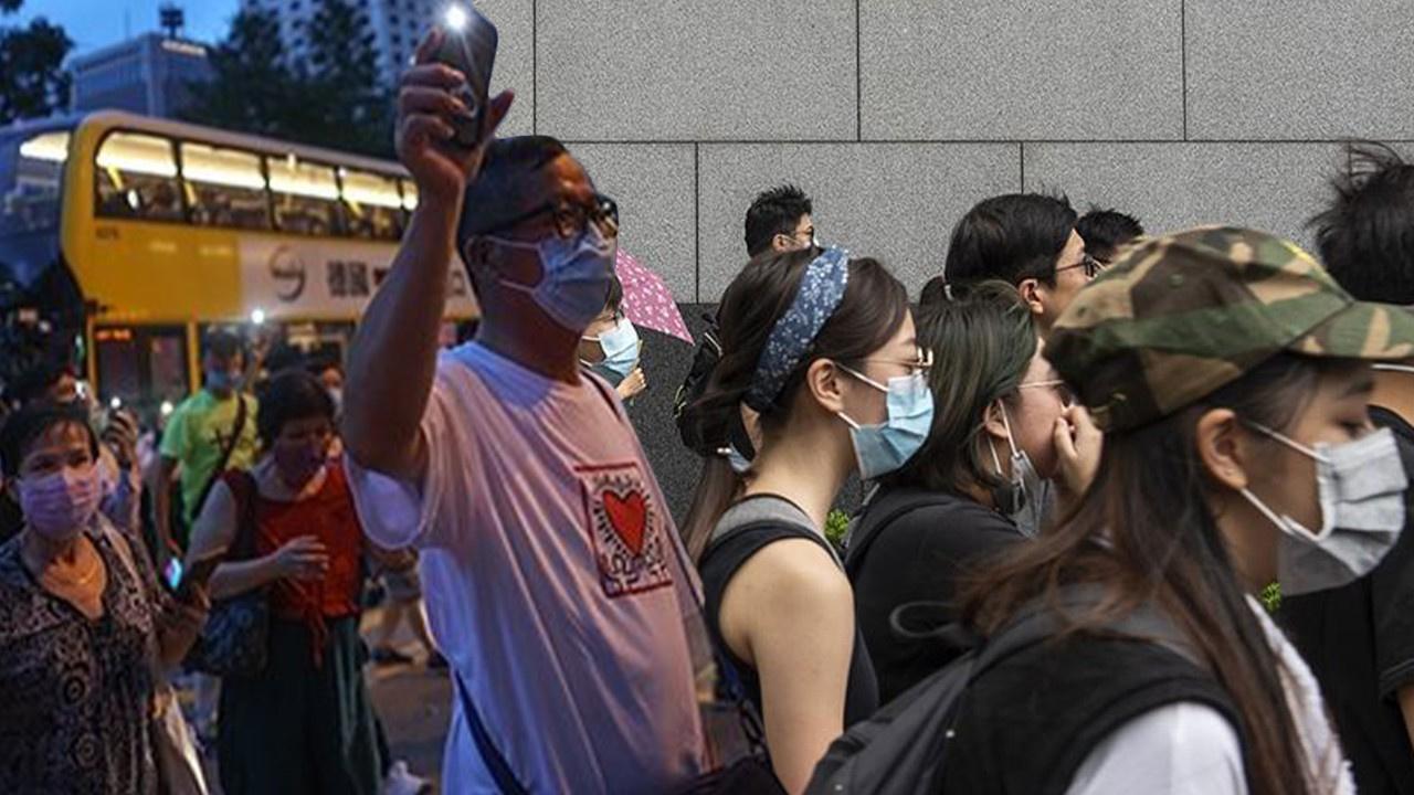 Çin'i protesto etmek için yine sokaklardaydılar!
