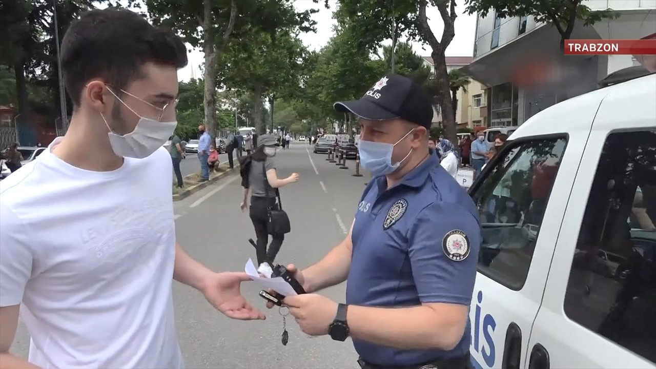 Sınava polis yetiştirdi