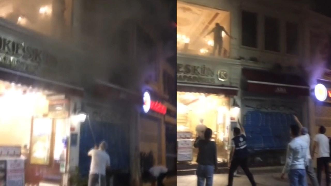 İstiklal Caddesinde korkutan yangın!