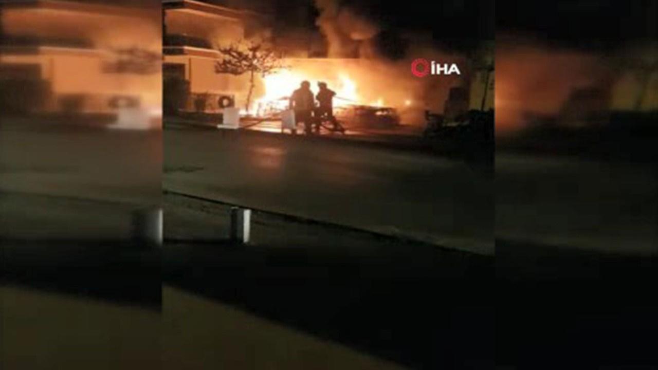 Kundaklandığı iddia edilen dükkan alev alev yandı