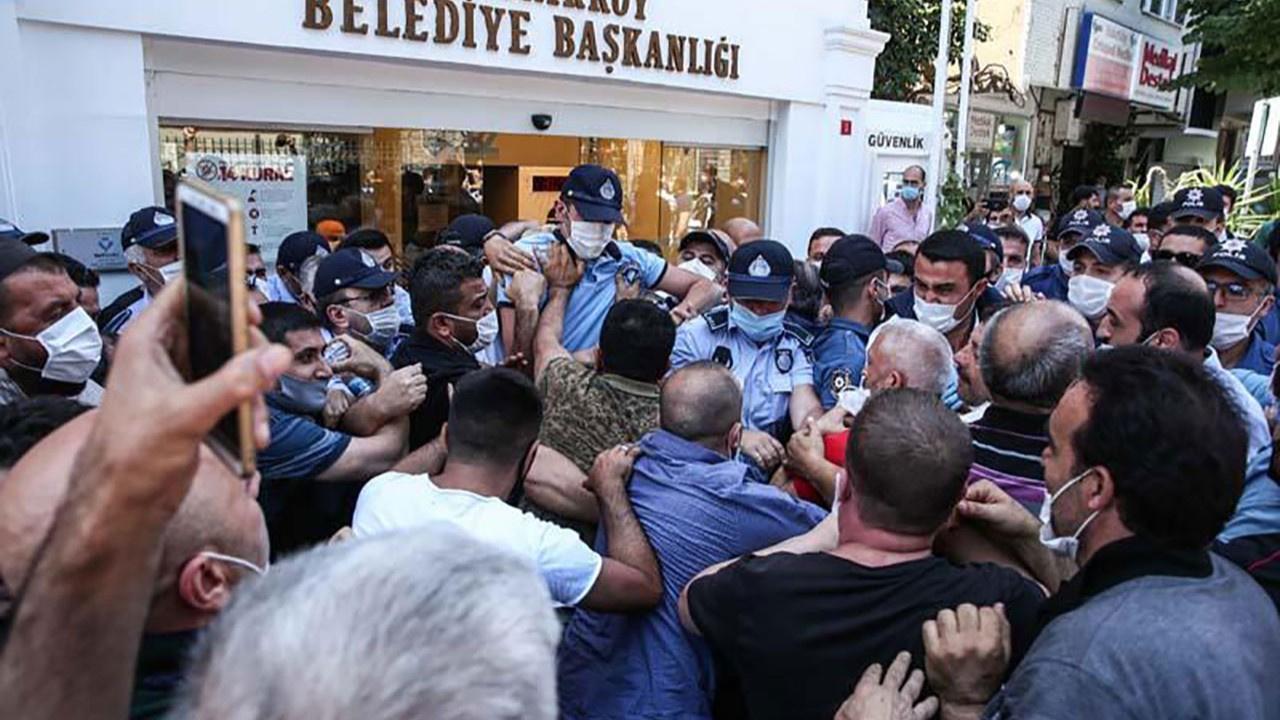 Bakırköy Belediyesi önünde protesto!