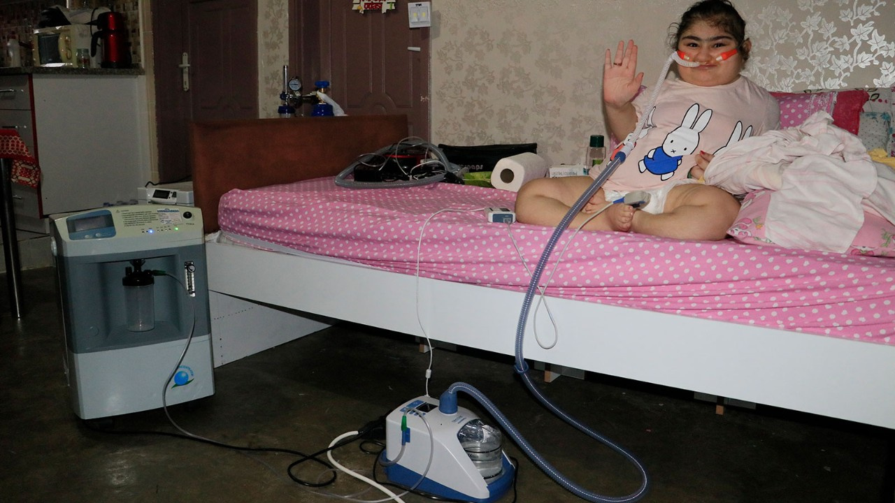 Cam kemik hastası Yasemin'in evden çıkabilmesi...