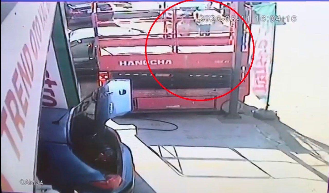 3 kişinin vurulduğu saldırı kamerada - Sayfa 1