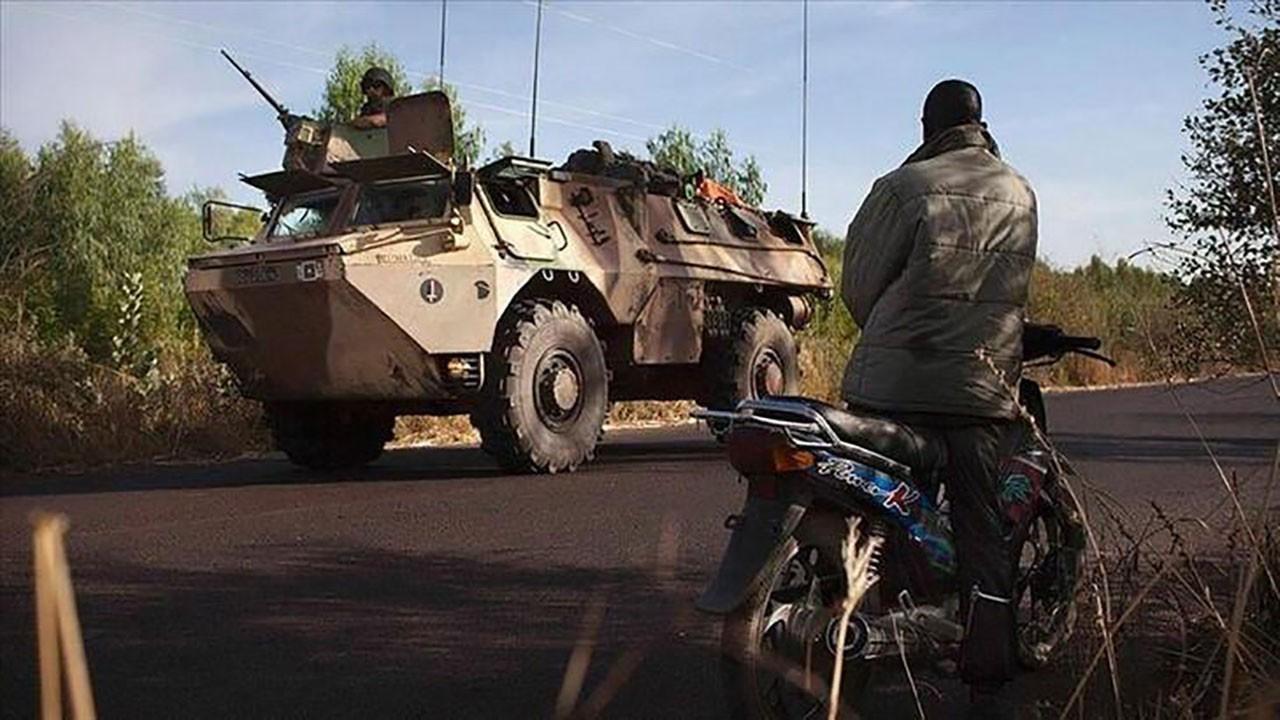 Mali'de darbe iddası! İki bakan alıkonuldu!