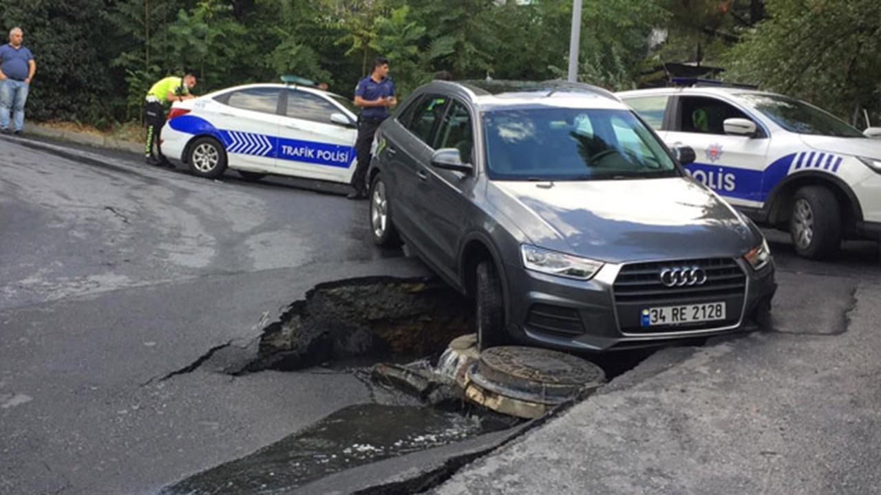 Beşiktaş'ta yol çöktü, araç içine düştü