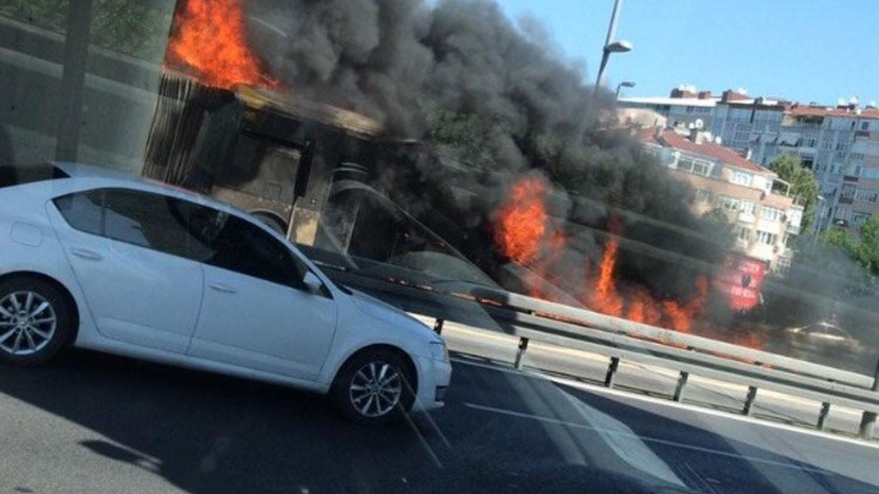 Zeytinburnu'nda metrobüs alev topuna döndü!