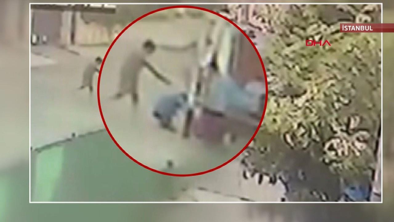 Ambulans şoförüne silahlı saldırı kamerada