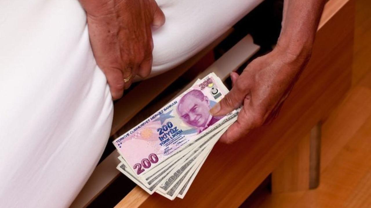Yastıkaltından 90 milyar lira çıktı