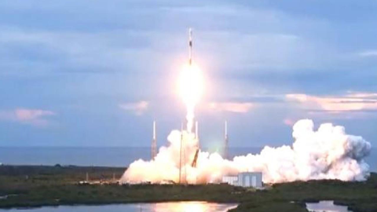 SpaceX Arjantin'e ait uyduyu uzaya gönderdi