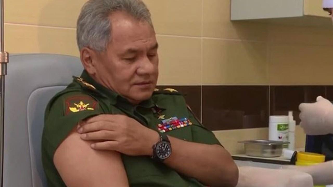Rusya Savunma Bakanı Sputnik V aşısı yaptırdı