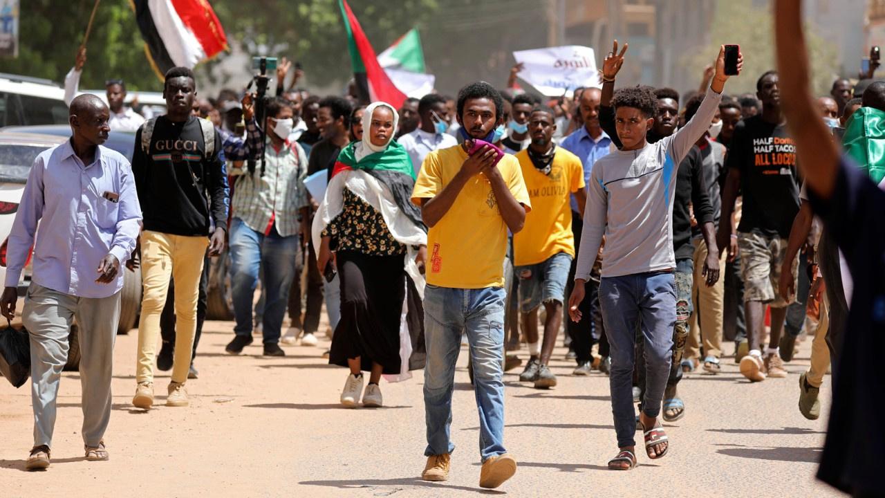 Sudan 30 yıl sonra laik oluyor