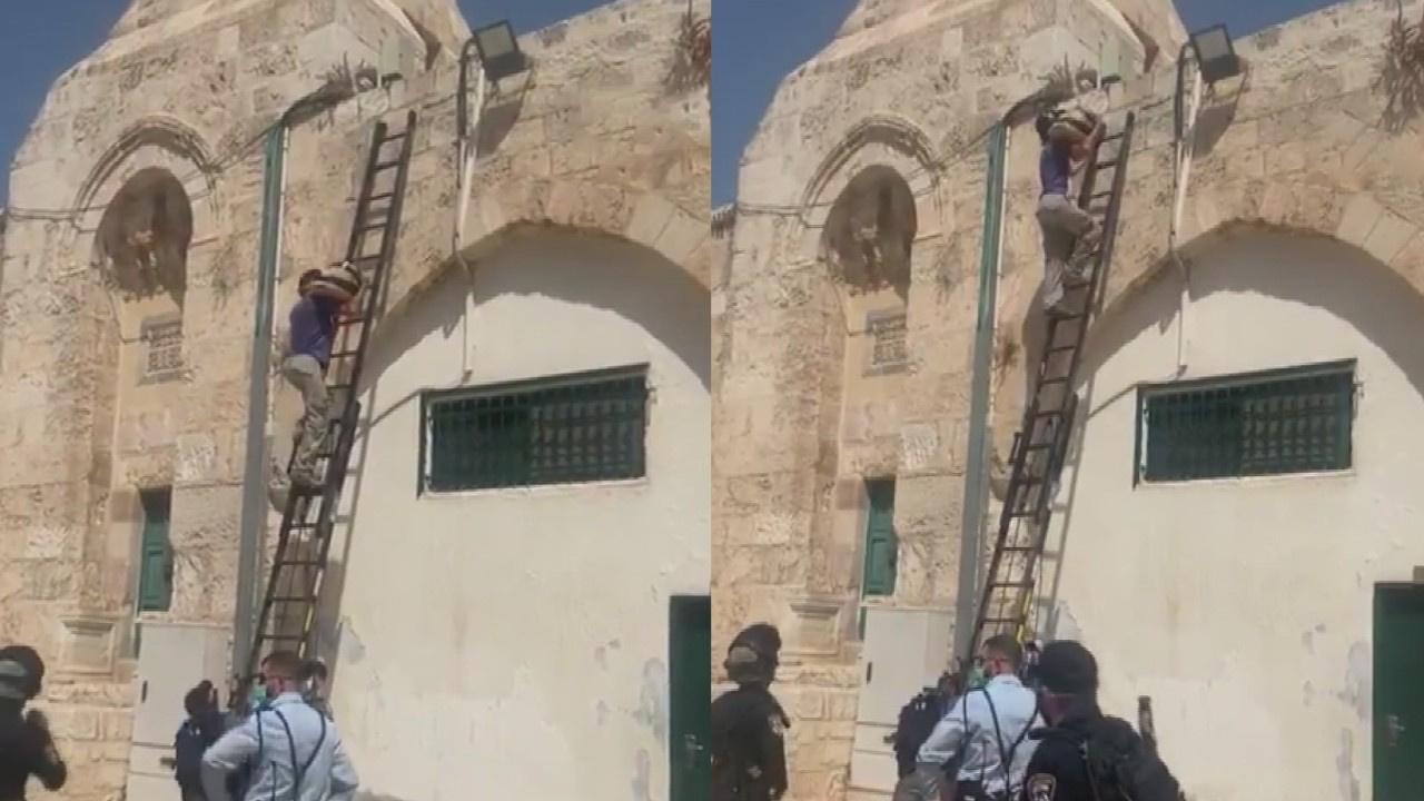 Mescid-i Aksa'nın duvarına hoparlör yerleştirdi