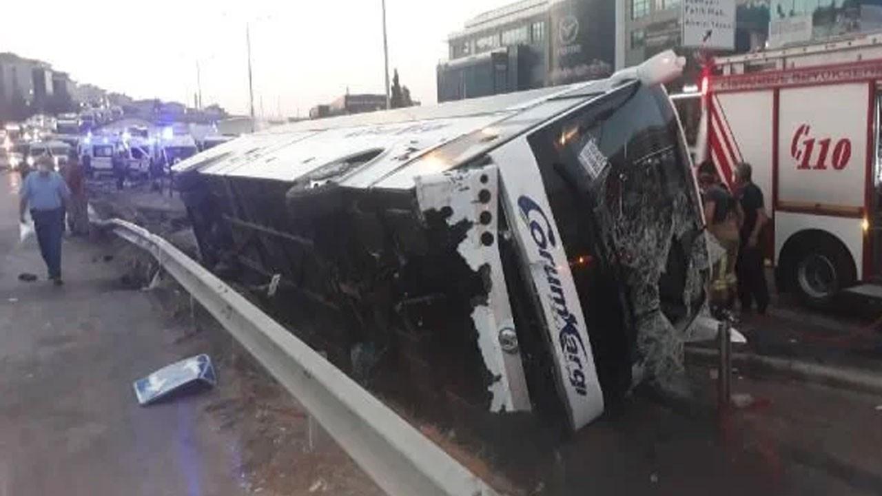 Yolcu otobüsü E-5'de yan yattı!.. Yaralılar var!