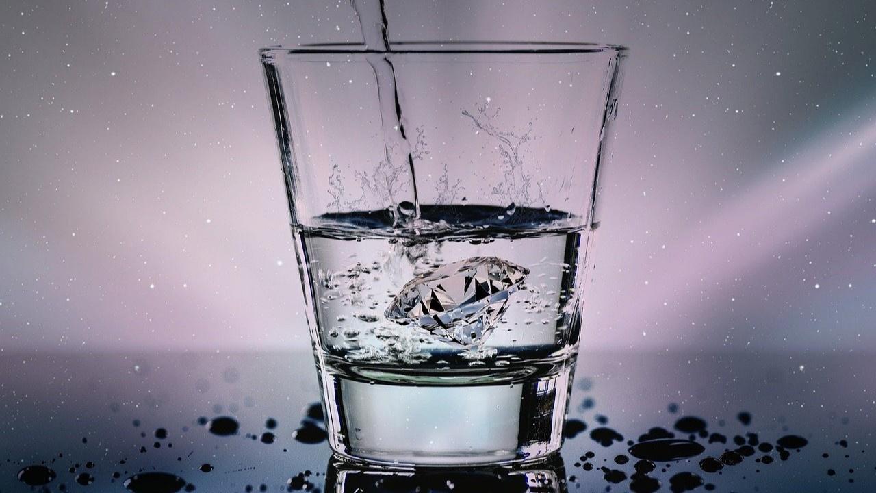 Futbolcular hangi suyu içecek?