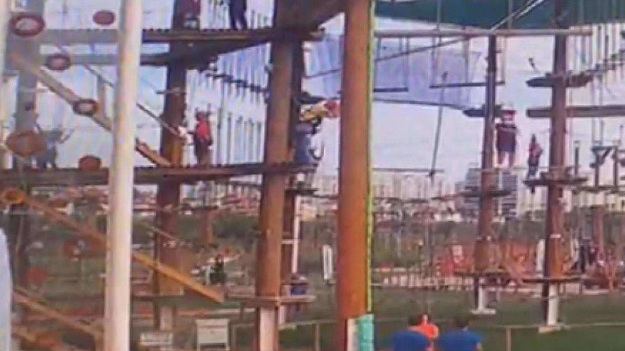 Parktaki çocuk 5 metreden böyle düştü