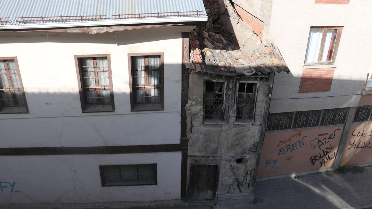 Bu ev görünümüyle dikkat çekiyor!