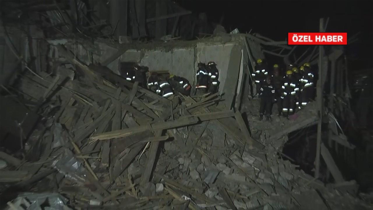 Evleri yıkıldı, eşyaları enkazların altında kaldı!