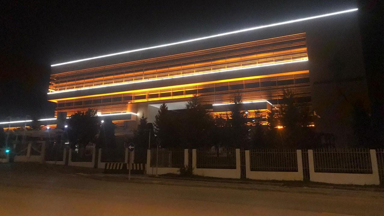 Adalet Bakanı Gül: Işıkları millet açar