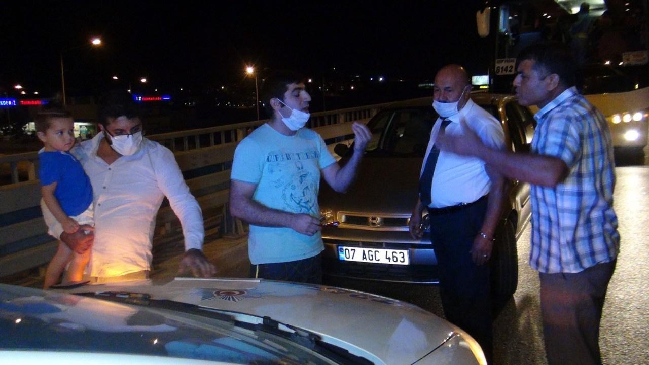 Trafik kazasında maske tartışması