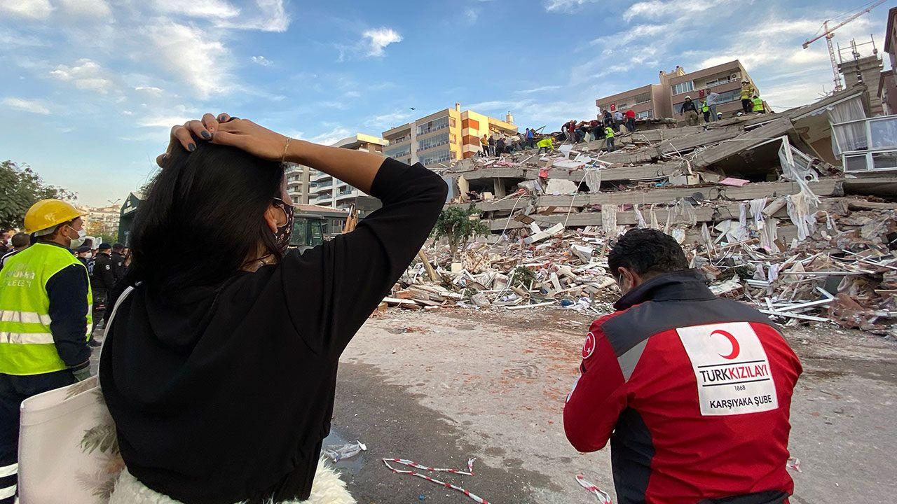 Ünlülerden İzmir depremi paylaşımları - Sayfa 2