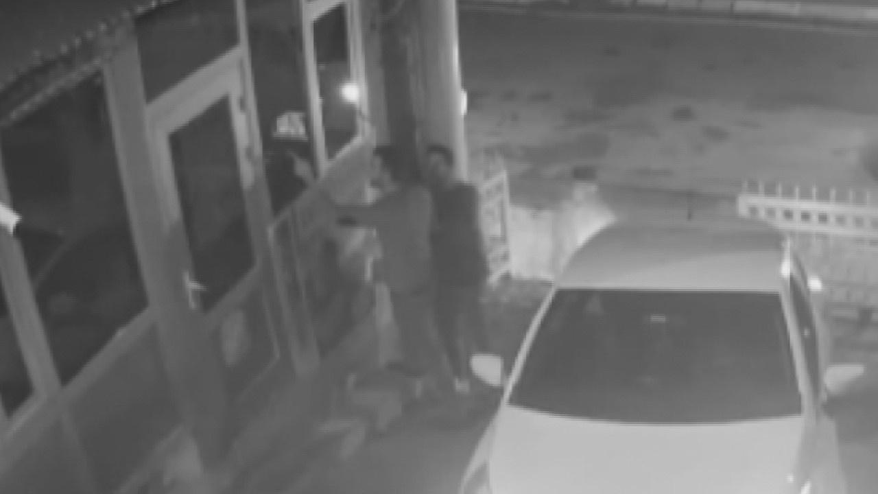 Site sakini, güvenlik görevlisine saldırdı!