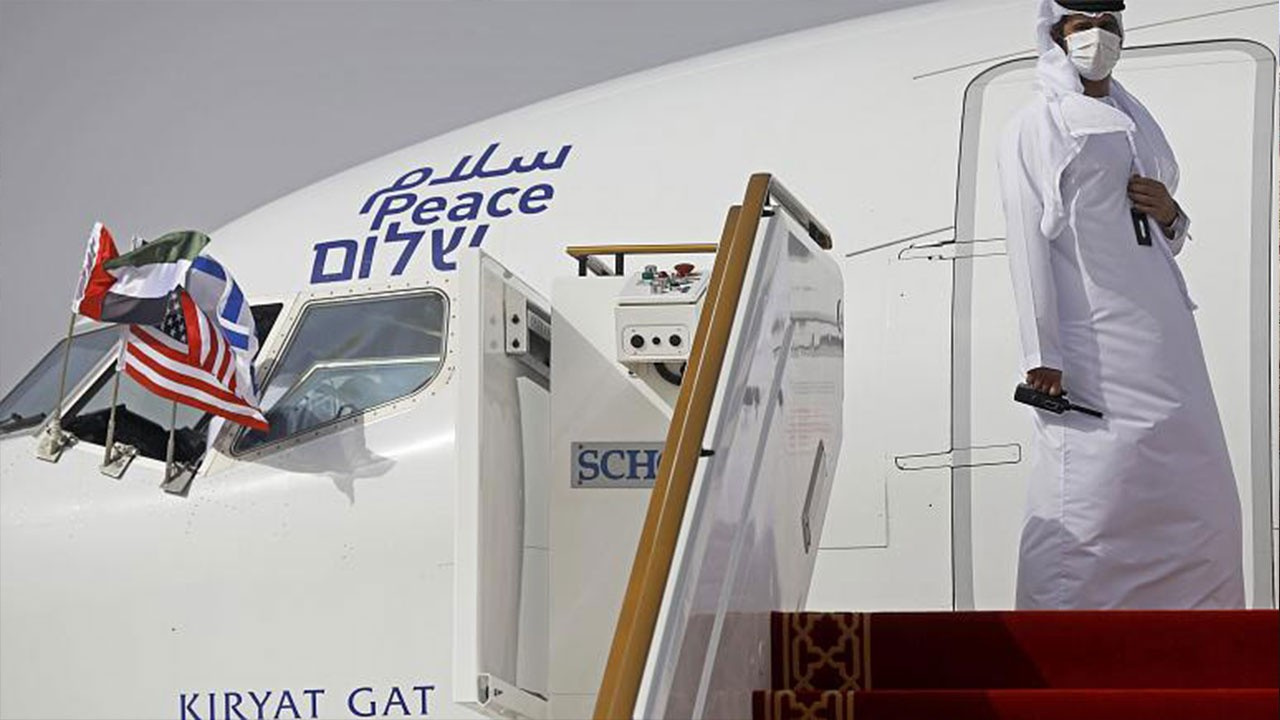 İsrail ile BAE arasında uçuş seferleri başladı