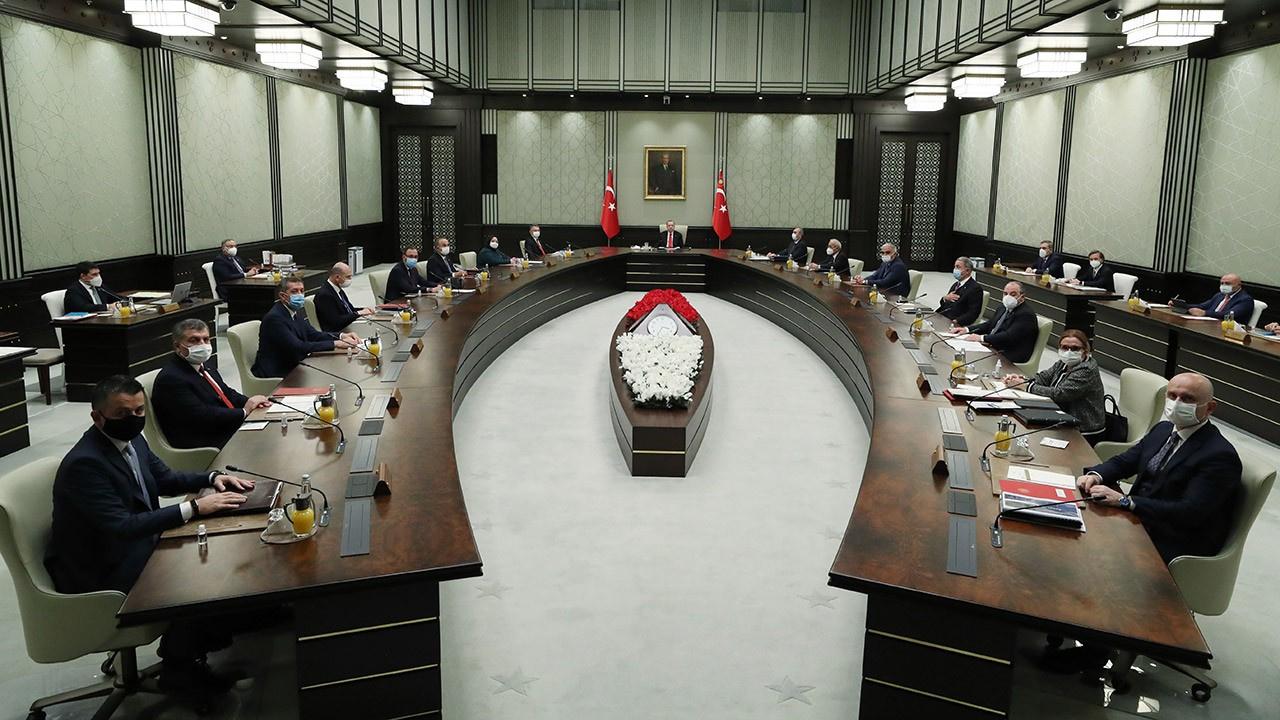Cumhurbaşkanlığı kabinesi yasaklar için toplandı