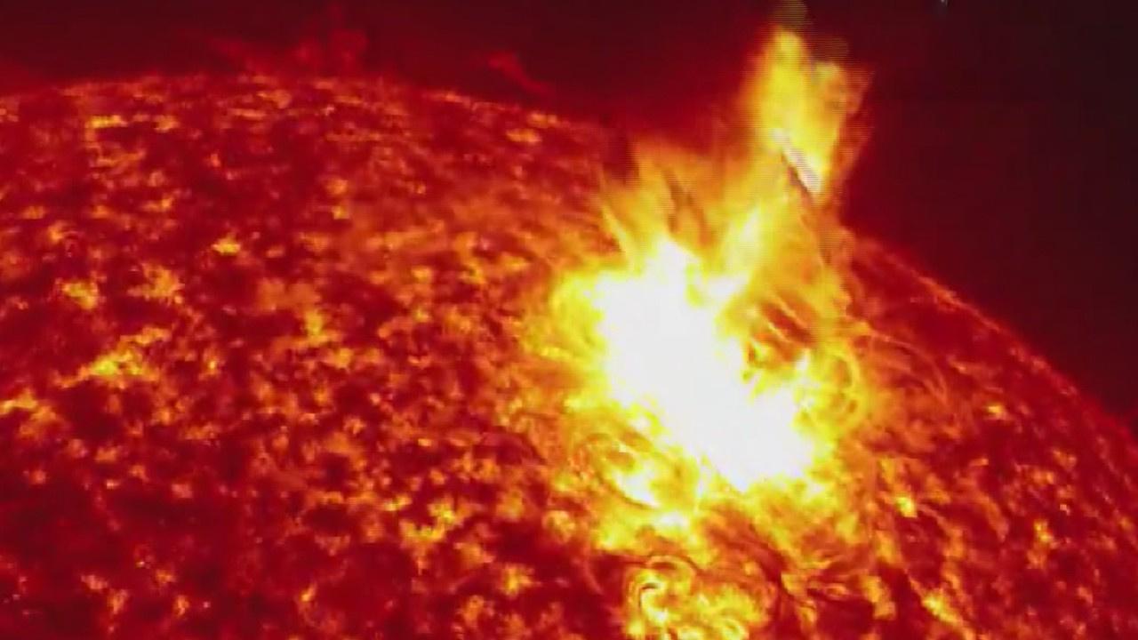 Güneş'te meydana gelen patlama anı