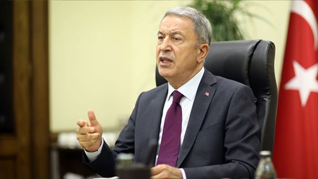 Bakan Akar Azerbaycanlı komutanla görüştü