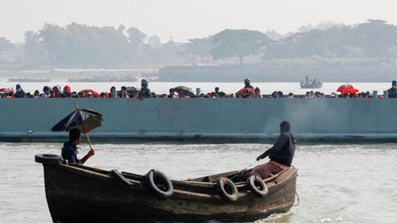 Mülteci teknesindeki şiddet görüntüleri yayımlandı