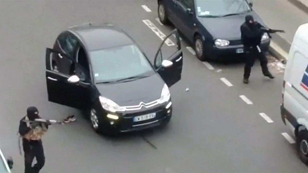 Charlie Hebdo kararı: 2'si Türk 14 zanlıya hapis