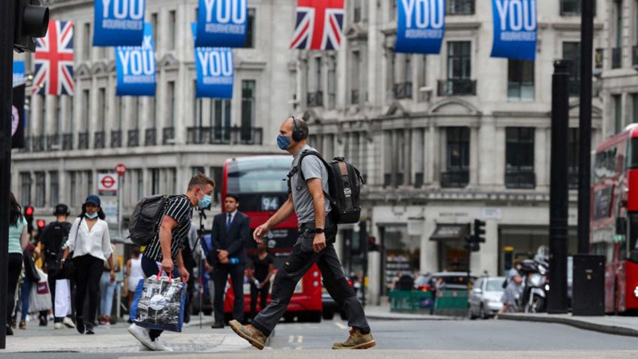 İngiltere'de 1 günde 35 bin yeni vaka