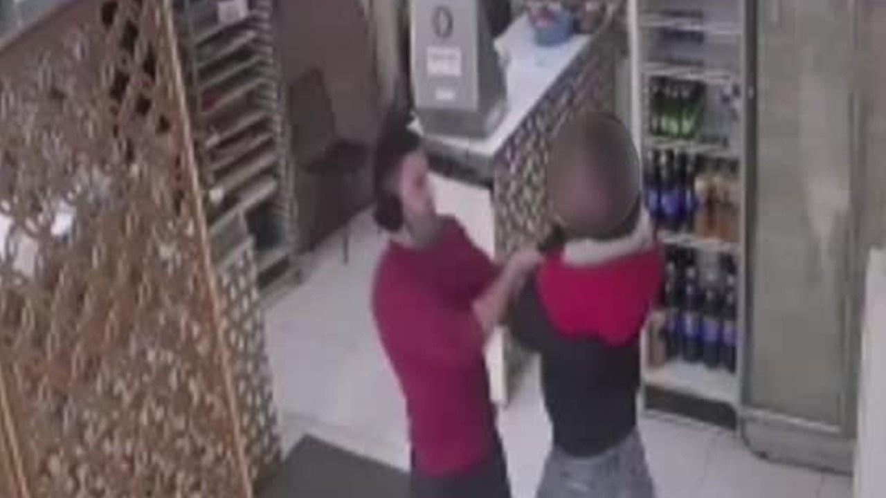 Hırsız ile iş yeri çalışanı arasındaki arbede!
