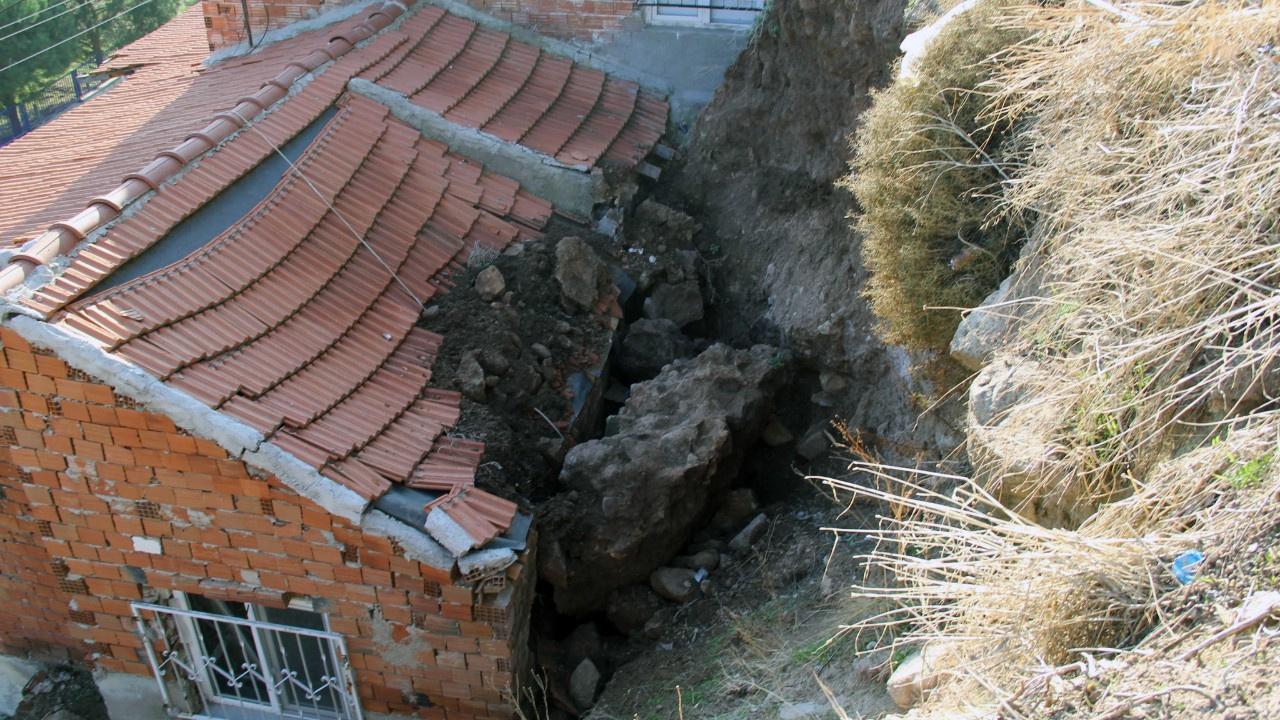 İzmir'de depremden sonra şimdi de heyelan paniği