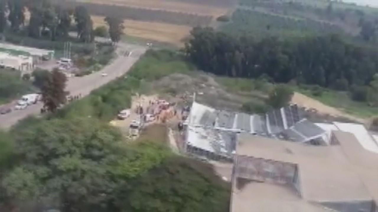 İsrail'de bir spor sahasının çatısı çöktü