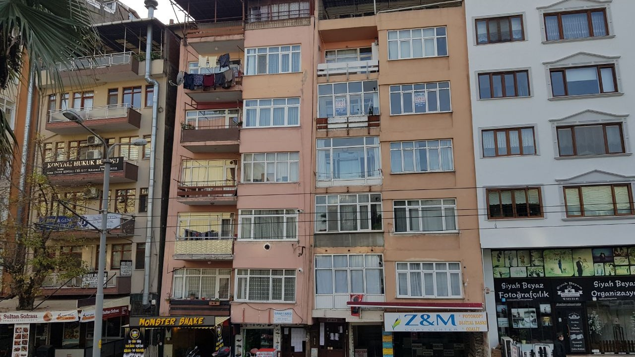 Marmara Depremi'nde zarar gördü, 21 yıl sonra...