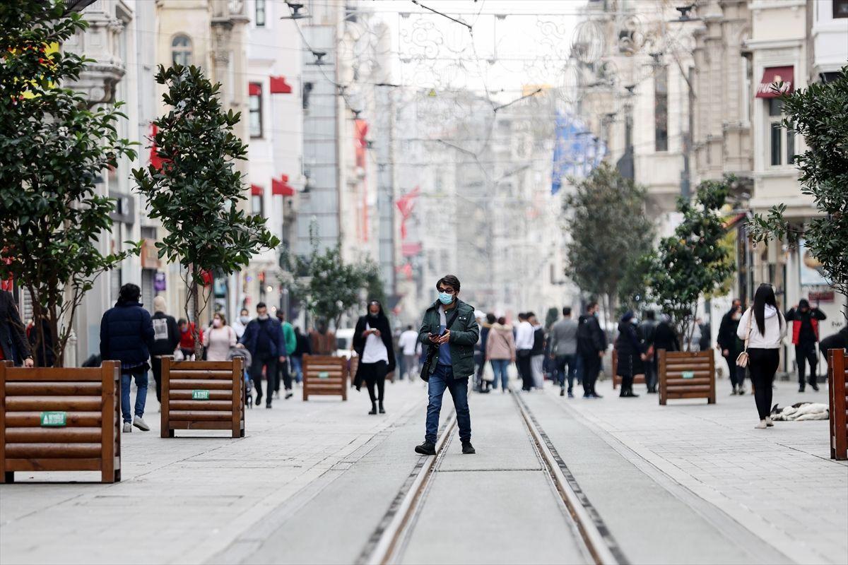 Hafta sonu kısıtlamasında turistlerin İstanbul keyfi - Sayfa 1