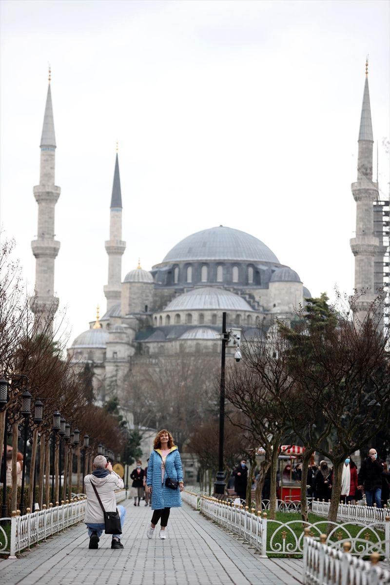 Hafta sonu kısıtlamasında turistlerin İstanbul keyfi - Sayfa 3
