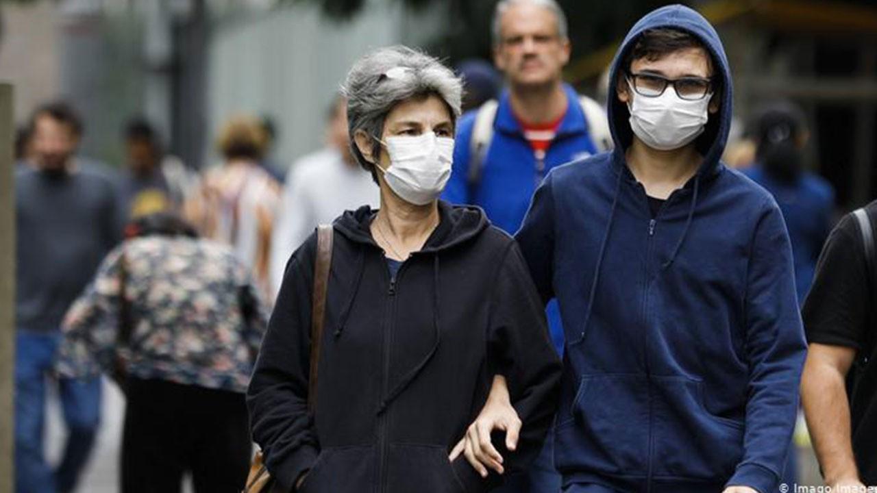 O tarihe dikkat çekti: Maskeler ne zaman çıkacak?