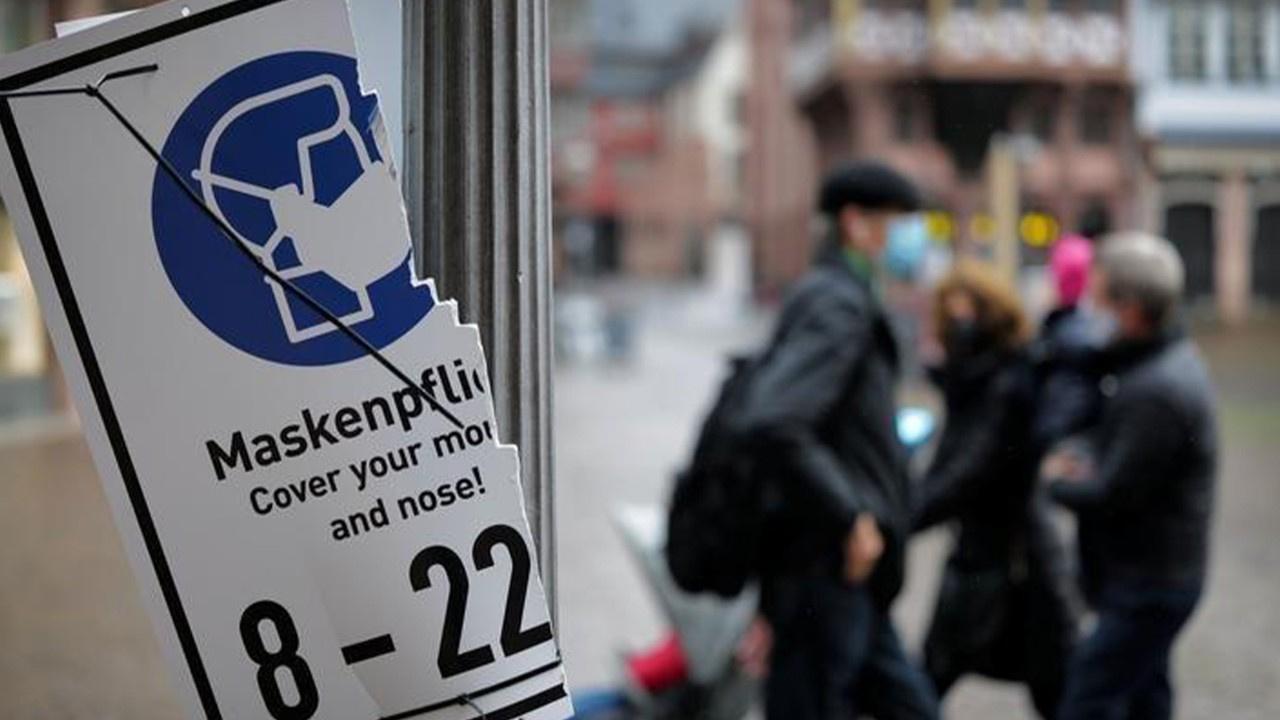 Almanya'da korona virüs kısıtlamaları uzatıldı