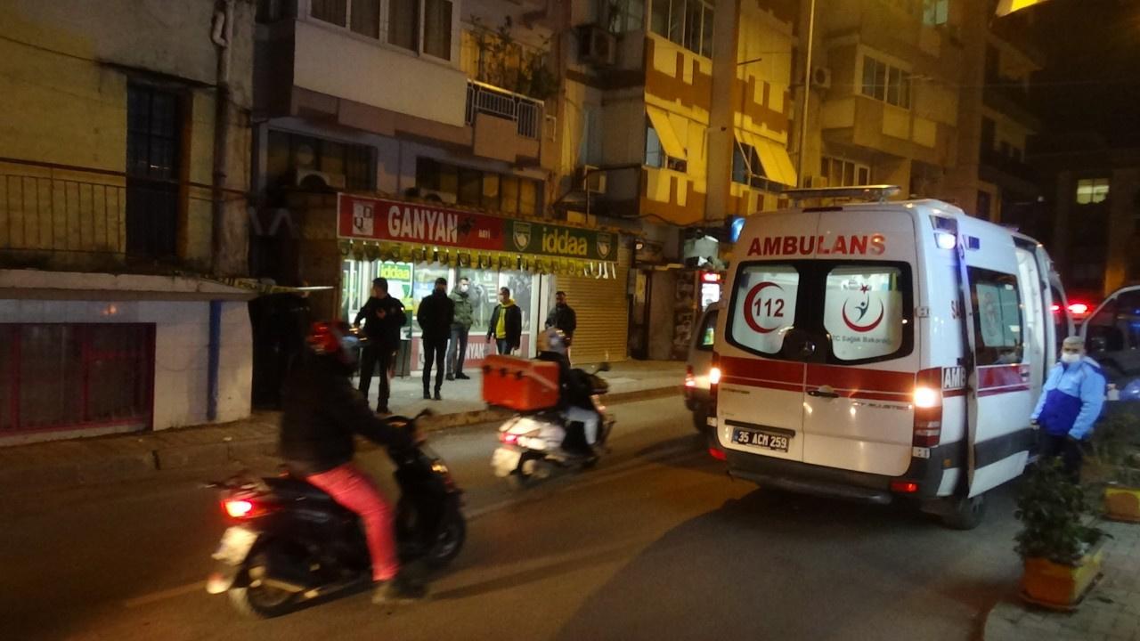 İzmir'de vahşet: Babasını 25 yerinden bıçakladı!