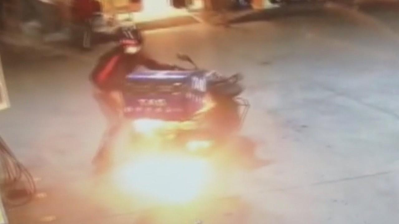 Yer: Zonguldak... Yakıt aldı, motosikleti yandı!