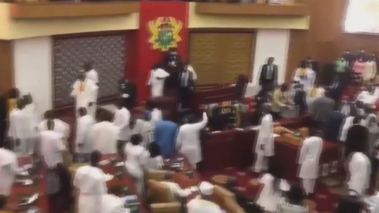Gana parlamentosunda Meclis Başkanlığı kavgası!