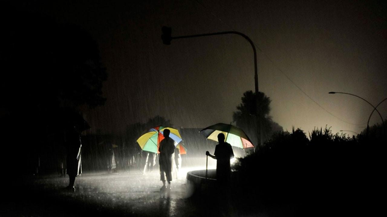 Ülke genelinde elektrik kesintisi
