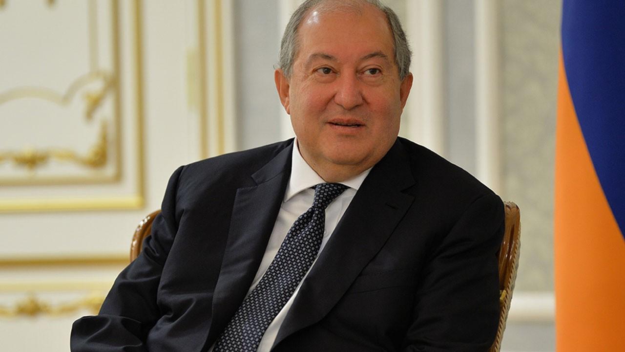 Ermenistan Cumhurbaşkanı hastaneye kaldırıldı!