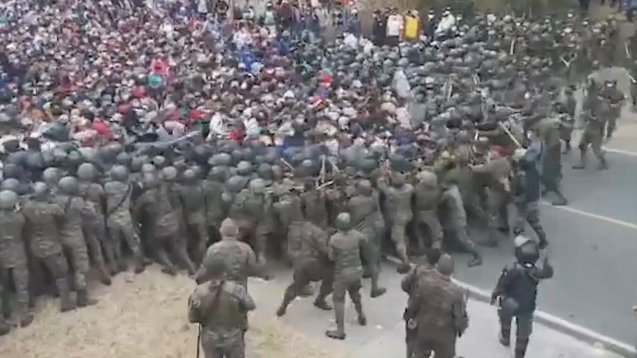 Göçmenler ile Guatemala ordusu arasında arbede