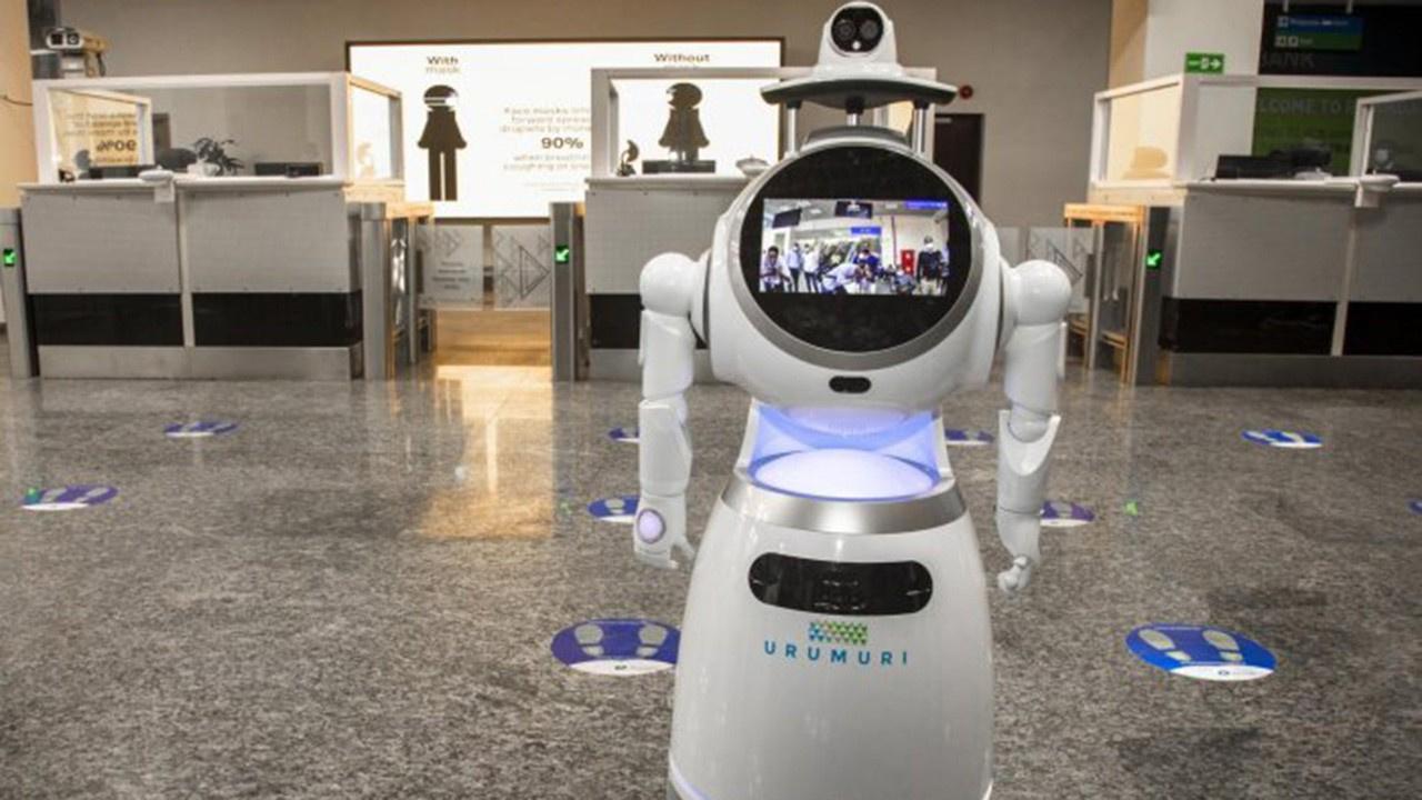 Kenya'da korona ile mücadeleyi robotlar yürütüyor
